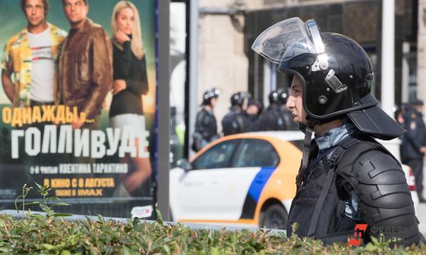 У участников московских протестов прошли обыски