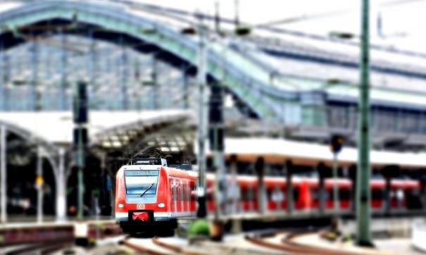 Три человека пострадали при пожаре поезда в Берлине