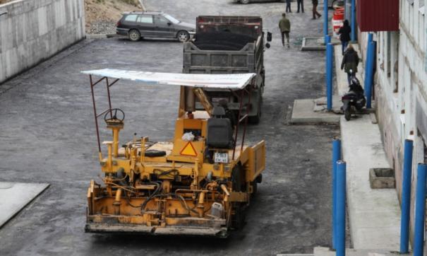 В сахалинском городе Корсаков начали благоустраивать дворы