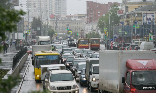 Из-за снега и ремонта дорог Владивосток охватили пробки
