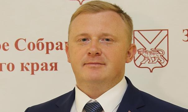 Приморского депутата Андрея Ищенко пожурили за поведение в соцсетях