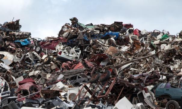 Борьбу с мусорным полигоном на Велижанском тракте власти начали уже сейчас. Предстоит очистить более 40 гектаров