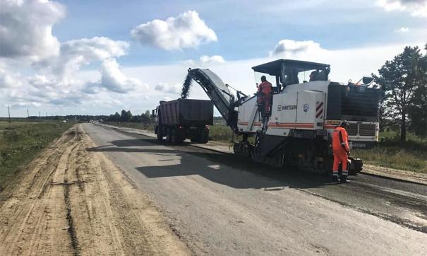 В программу ремонта по нацпроекту вошли все дороги региона. Сейчас ведутся работы по устройству освещения и ремонту мостов.