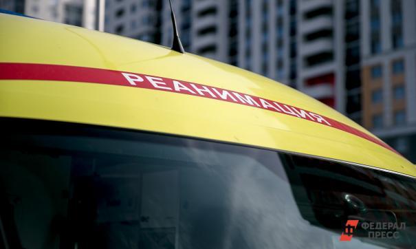 Оказавшийся на борту врач оказывал пассажиру экстренную помощь во время полета