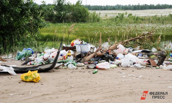 В социальных пабликах появились гневные посты о переполненных мусорных баках