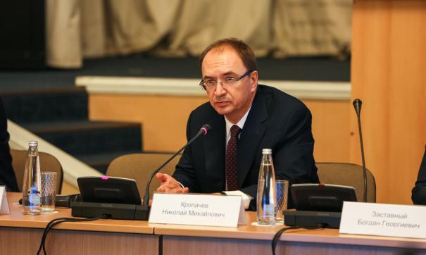 Есть мнение, что историю с Соколовым используют в кампании против ректора СПбГУ Николая Кропачева