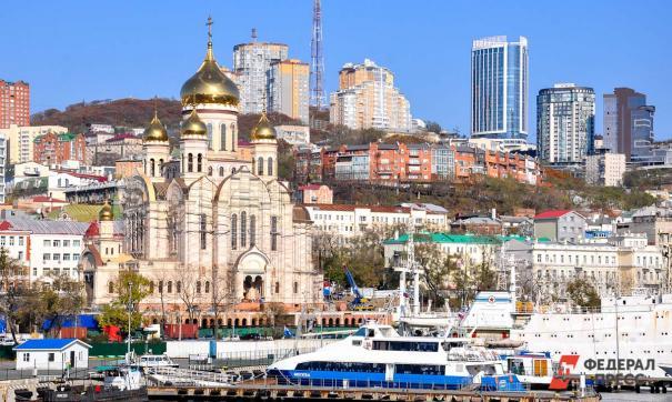 Прыжок с небоскреба напугал жителей Владивостока