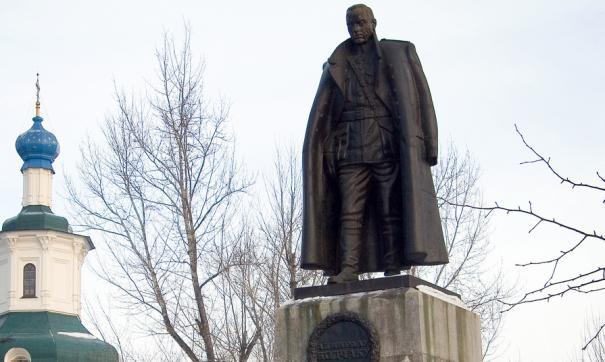 Сейчас памятник Колчаку, установленный на деньги меценатов, находится в Куйбышевском районе Иркутска