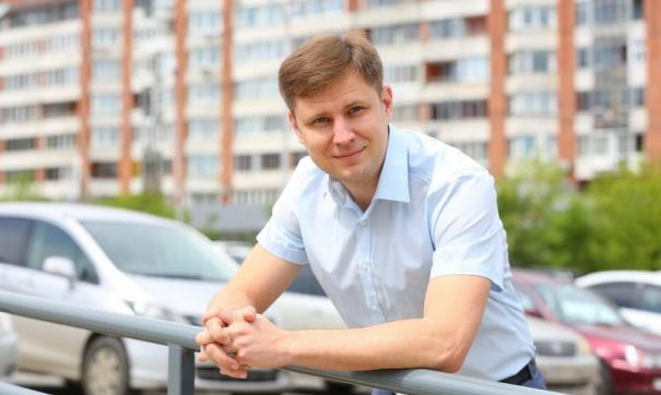 В кресле председателя городского представительного органа Дмитрий Ружников находится чуть больше месяца