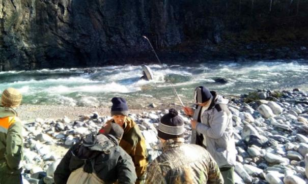 Затонувшие лодка и вещи это далеко не полный перечень убытков понесенных рыбаками