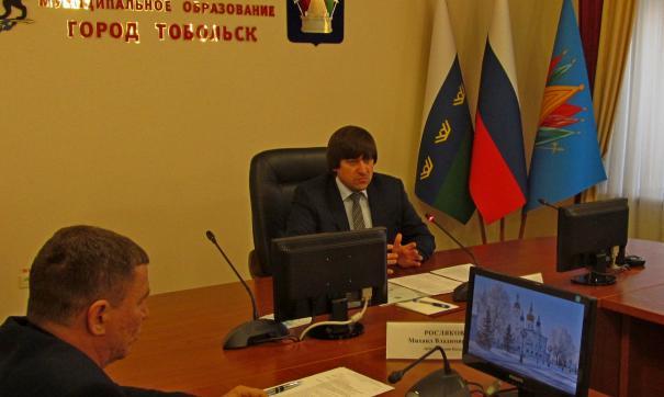 Максим Афанасьев в основном слушал собравшихся
