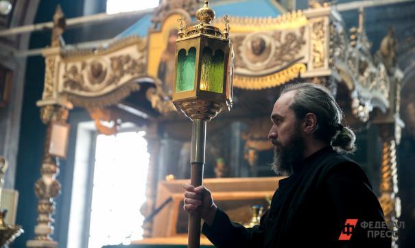 Священников попросили прятать людей в храмах от насилия