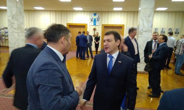 Андрей Травников возглавил ЕР в Новосибирской области