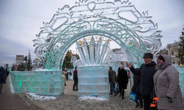 Ямальские скульпторы воспроизведут изо льда шлюпы, открывшие Антарктиду