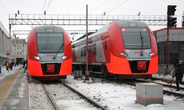 Из Екатеринбурга в Пермь и Тюмень отправились сегодня первые «Ласточки»