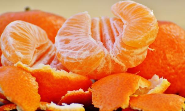 Диетолог объяснила разницу между мандаринами и апельсинами