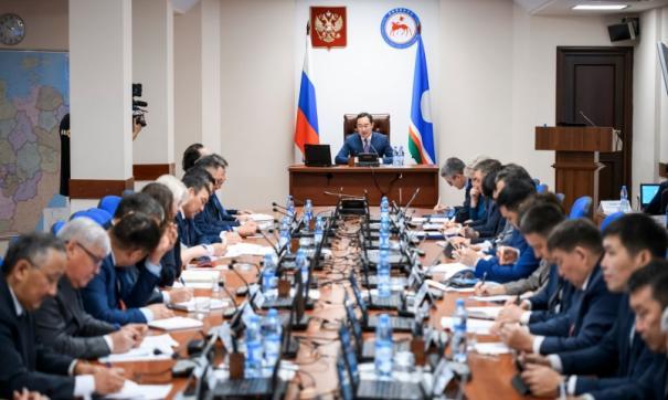 Глава Якутии поставил перед министрами новые задачи