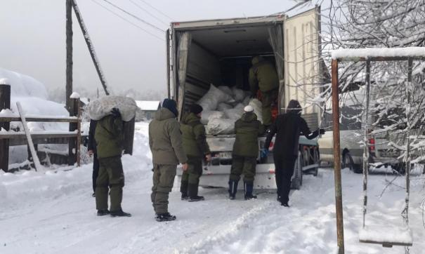 Команда «Молодежки ОНФ» помогает пострадавшим от летнего паводка в Иркутской области