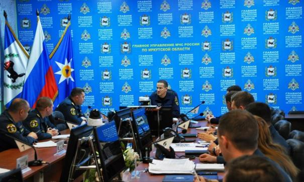 Специальная комиссия, во главе с замминистра ведомства Андреем Гуровичем, прибыла в Иркутскую область накануне