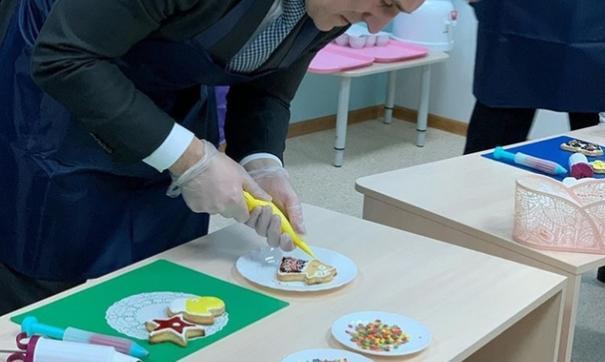 Глава региона побывал в городе с официальным визитом. В его рамках он открыл новые школу и детский сад