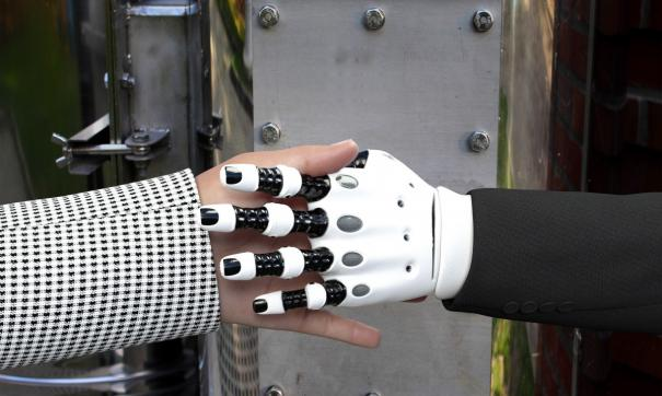 Даниил начал конструировать роботов в 6-летнем возрасте