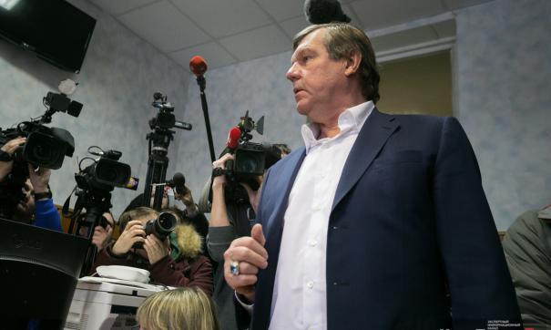 В екатеринбургском суде начался допрос барда Александра Новикова