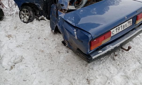 В Свердловской области выясняют обстоятельства ДТП, в котором погибли два человека