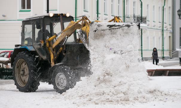 Из-за снегопада на некоторых улицах движение было парализовано