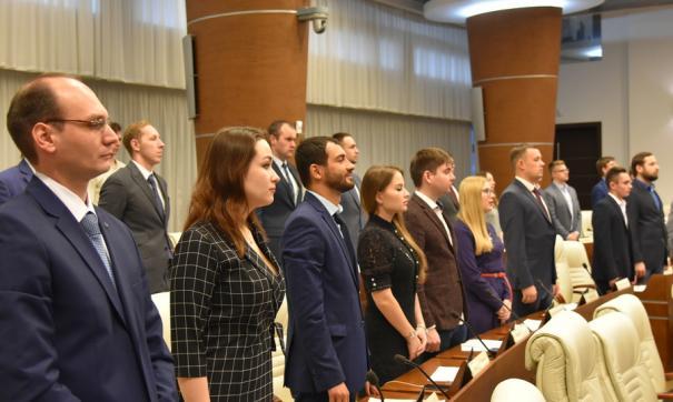 Две трети парламентариев впервые вошли в молпарламент