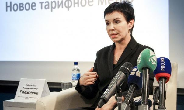 Гаджиева: для пассажира безналичный расчет удобен – можно экономить, для города тоже удобен