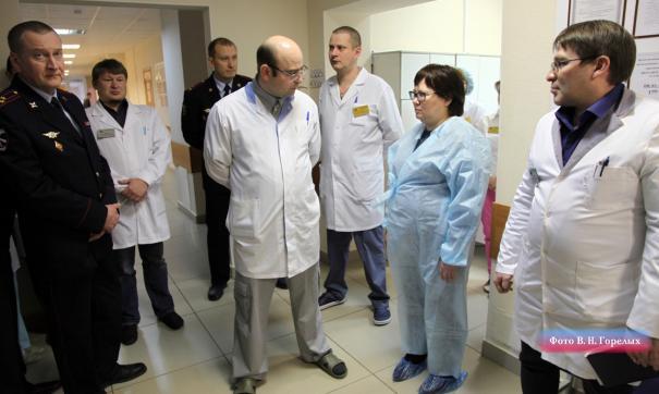 Госпиталь свердловской полиции посетил замначальника департамента тыла МВД России.
