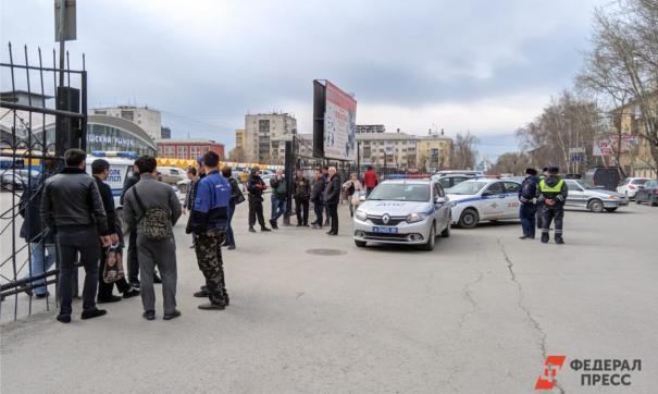 В кемеровскую полицию поступило уже пятое сообщение о минировании крупного рынка