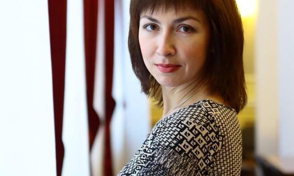 До своего назначения, она работала в должности заместителя руководителя пресс-службы.