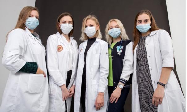 Из-за опасности распространения вирусов ЧелГУ отправил студентов на каникулы