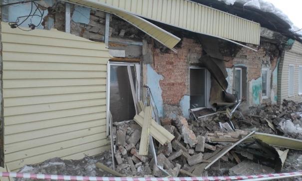 Жителей аварийного дома по Комсомольской улице срочно эвакуировали