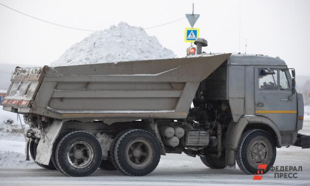 В Салехарде управляющие компании посоревнуются в уборке снега