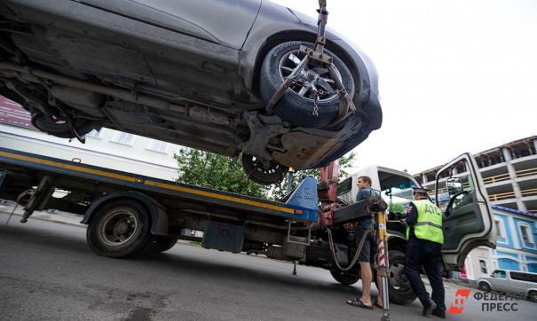 В Челябинске на штрафстоянку забрали машину вместе с полуторагодовалым ребенком