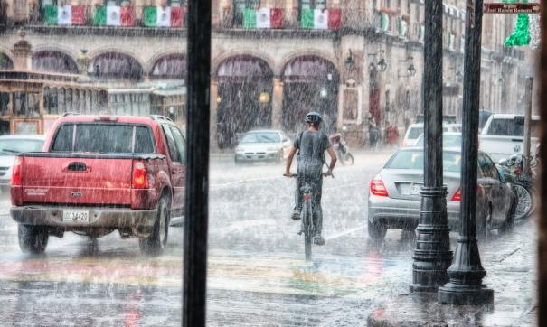 Испанцам посоветовали быть готовыми к регулярным мощным штормам