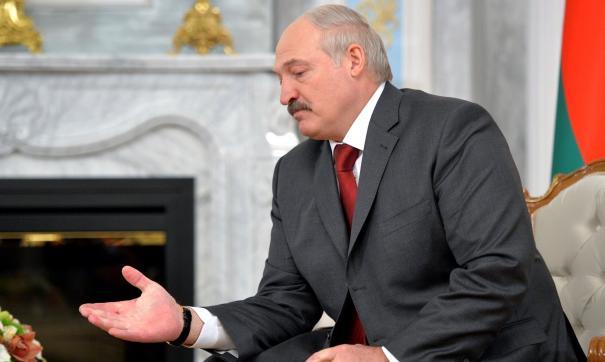 Лукашенко сравнил фейки с химическим оружием