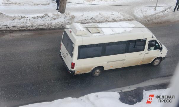 На Сахалине автобус с пассажирами попал под локомотив