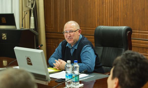 Директор телеканала Алексей Костылев рассказал, что ему пришлось провести беседу с сотрудниками