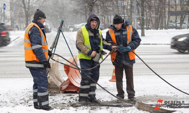 В Новосибирске к утру коммунальщики устранили аварию в Дзержинском районе