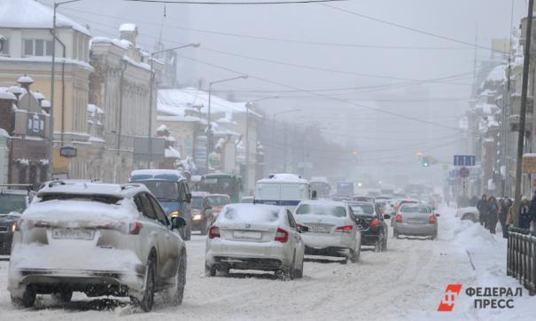 Из-за снегопада свердловские коммунальщики перешли на усиленный режим работы