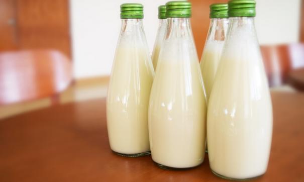 Школьники заболели после употребления молока