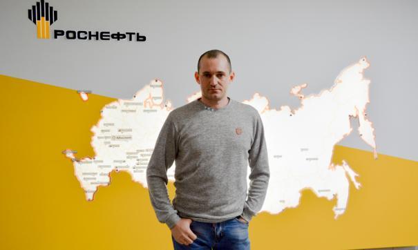 Оператором по добыче нефти и газа в АО «Самотлорнефтегаз» Руслан Амикишиев работает 17 лет