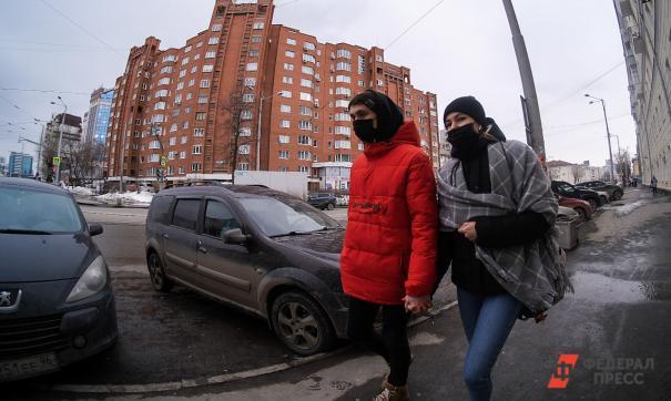 Врачи призывают россиян не выходить из дома