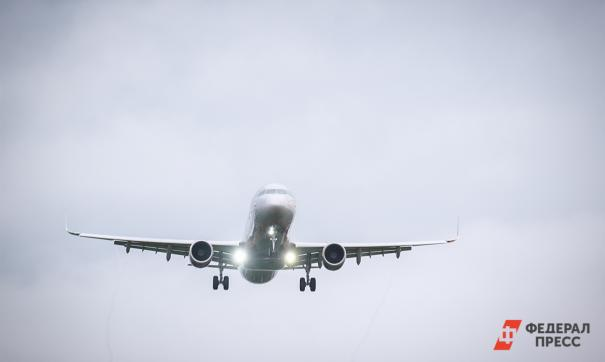 Самолет летел в Сабетту, но из-за шторма свернул в Салехард
