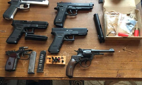 Мероприятия по выявлению деятельности, связанной с изготовлением и сбытом оружия, продолжаются