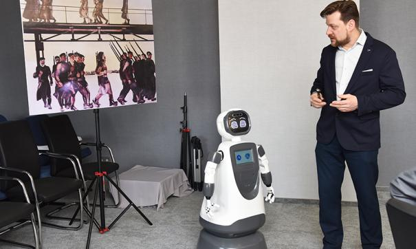 АПЗ совместно с Московским авиационным институтом усовершенствуют социальных роботов