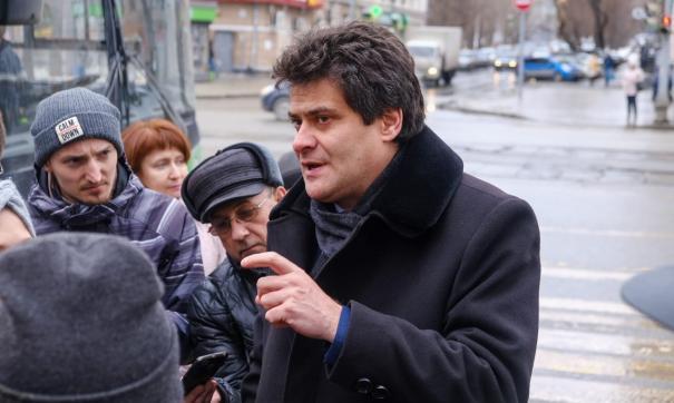 Высокинский пригрозил подрядчику сквера за оперным театром делом на десять миллионов